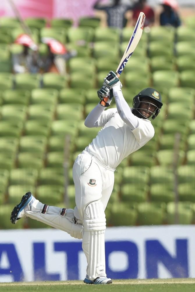 Al Hasan scored his first Test century since 2011