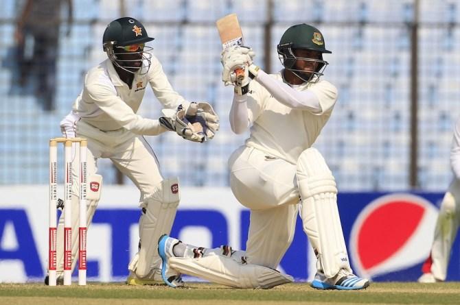 Al Hasan struck seven boundaries during his innings of 71