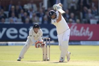 Root hit 11 boundaries during his innings of 98