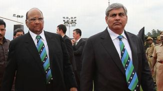 Manohar (right) is the frontrunner to become the new BCCI president