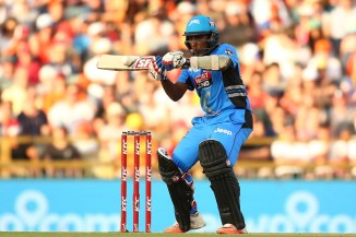 Jayawardene hit four boundaries during his crucial innings of 42