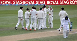 New Zealand only need seven wickets to win the match