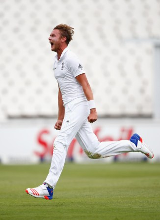 Broad finished with figures of 6-17 off 12.1 overs