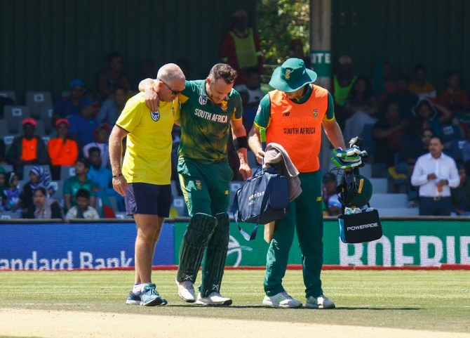 Faf du Plessis injury South Africa Bangladesh cricket