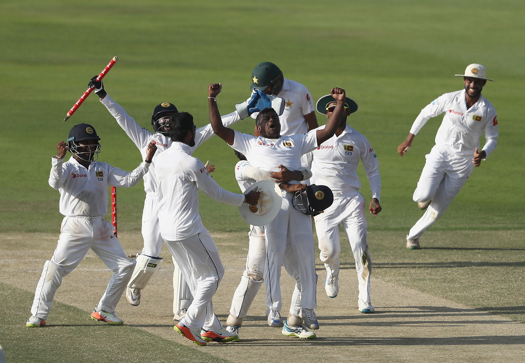 Azhar Ali's fight keeps Pakistan in hunt in Abu Dhabi Test