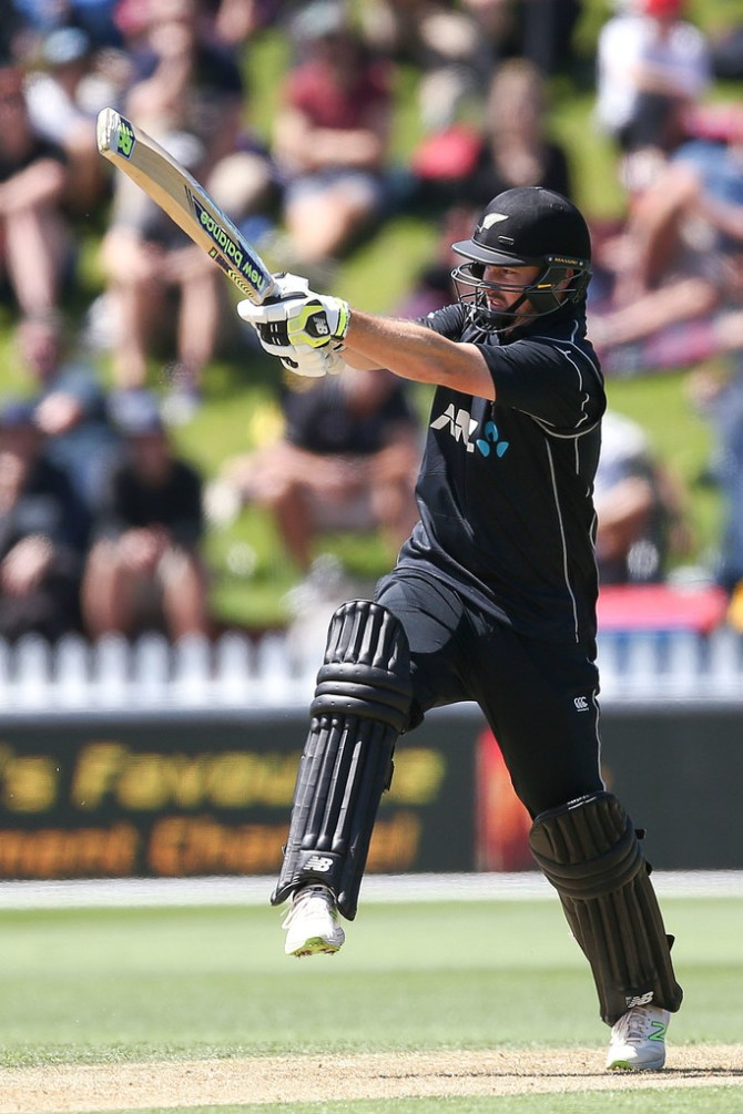 Colin Munro fifty New Zealand Pakistan 1st ODI cricket