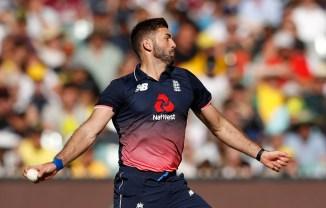 Liam Plunkett injury Australia England 3rd ODI Sydney cricket