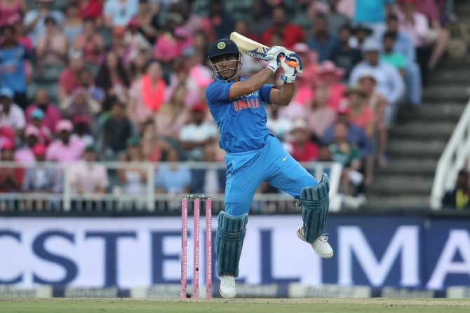 Suresh Raina MS Dhoni bat higher India cricket