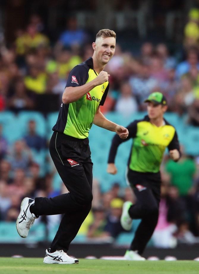 Billy Stanlake three wickets Australia New Zealand T20 tri-series Sydney cricket
