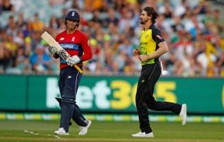 Kane Richardson three wickets Australia qualify T20 tri-series final England Melbourne cricket