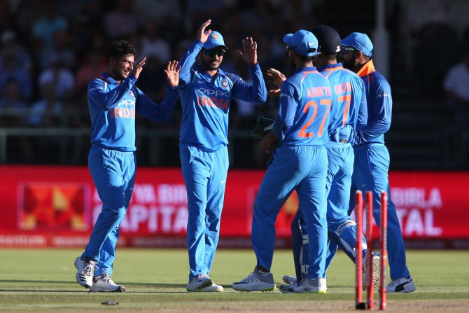 Sachin Tendulkar Kuldeep Yadav Yuzvendra Chahal India cricket
