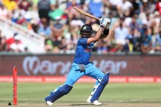 Glenn McGrath bowling Virat Kohli Australia India cricket