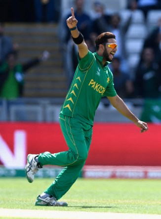 Mohammad Wasim has told Imad Wasim to come out of his comfort zone