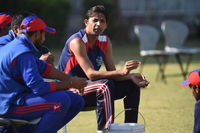 Mohammad Asif asked where all the perfect reverse swing bowlers are