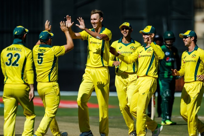 Billy Stanlake career-best four wickets Australia Pakistan T20 tri-series 2nd Match Harare cricket