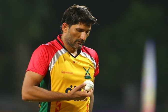 Sohail Tanvir fined 15 percent match fee double middle finger Ben Cutting Guyana Amazon Warriors St Kitts and Nevis Patriots Caribbean Premier League CPL cricket