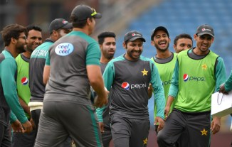 Sarfraz Ahmed Pakistan team donates Rs 3.2 million to dams fund cricket