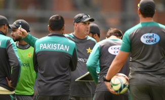 Kamran Akmal Mickey Arthur being rude to Pakistan players but no one allowed to say anything Pakistan cricket