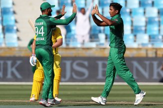 Wasim Akram Pakistan need to use Mohammad Hasnain on a regular basis in order for him to unleash his full talent Pakistan cricket