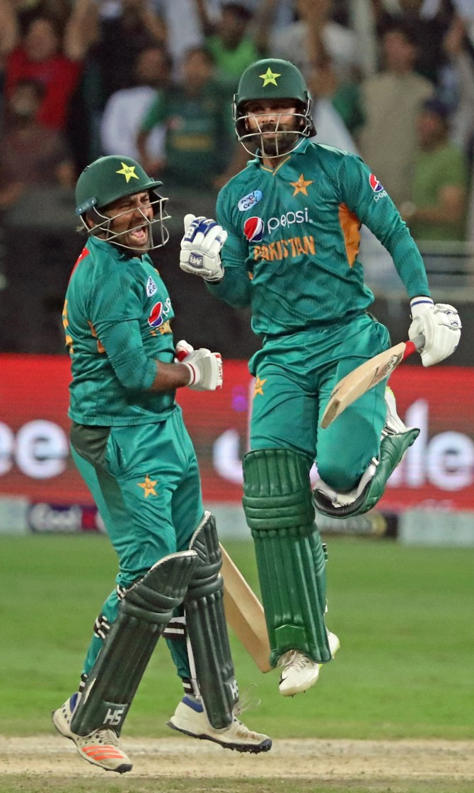 Sarfraz Ahmed has vowed that Pakistan's batsmen will try and help the team post good scores at the World Cup cricket
