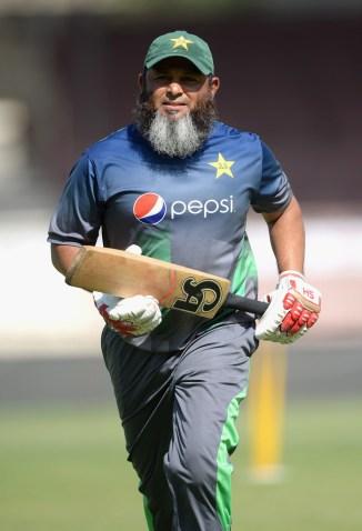 Mushtaq Ahmed admits Shadab Khan's absence is a big blow for Pakistan cricket