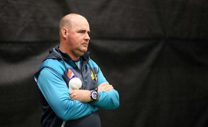 Mickey Arthur calls on Pakistan to play like cornered tigers World Cup cricket