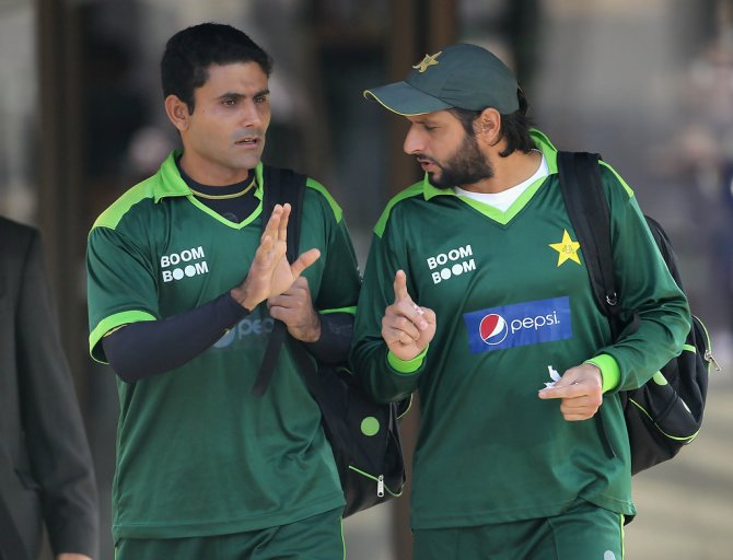 Abdul Razzaq claims Mohammad Amir admitted to being part of the spot-fixing scandal in 2010 after Shahid Afridi slapped him Pakistan cricket