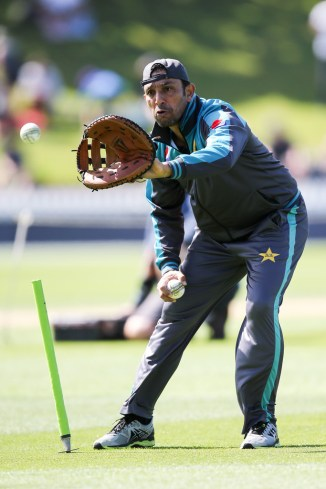 Azhar Mahmood admits to being highly impressed with Mohammad Amir's three-for against West Indies in Pakistan's World Cup opener cricket