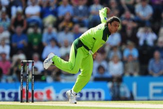 Shoaib Akhtar thankful Brian Lara didn't die after he bowled a bouncer than struck him on the back of the neck Pakistan cricket