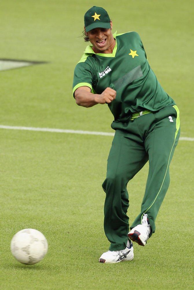 Shoaib Akhtar picked Cristiano Ronaldo as his favourite footballer Pakistan cricket