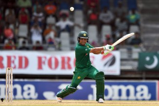 Kamran Akmal showed off his form in the nets at the Abdul Qadir Cricket Academy in Lahore Pakistan cricket