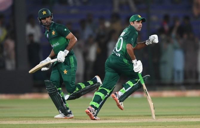 Abid Ali 74 Fakhar Zaman 76 Pakistan Sri Lanka 3rd ODI Karachi cricket