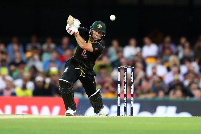 David Warner 60 not out Australia Sri Lanka 2nd T20 Brisbane cricket