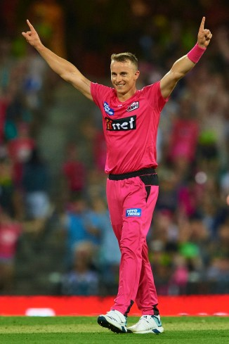 Tom Curran 35 and two wickets Sydney Sixers Sydney Thunder Big Bash League BBL 14th Match cricket