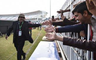 Javed Miandad said Imran Khan survived a player revolt
