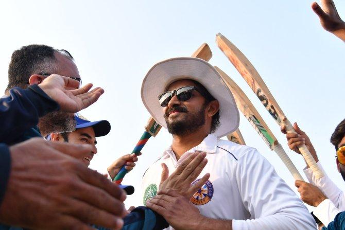 Azhar Ali congratulates Aizaz Cheema after he retired from first-class cricket Pakistan