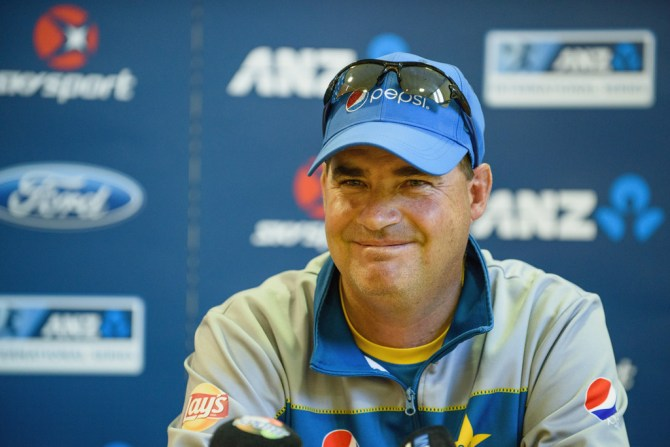 Mickey Arthur sends friendly warning to Pakistan team ahead of Sri Lanka Test series cricket