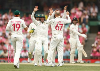 Nathan Lyon five wickets Australia New Zealand 3rd Test Day 3 Sydney cricket