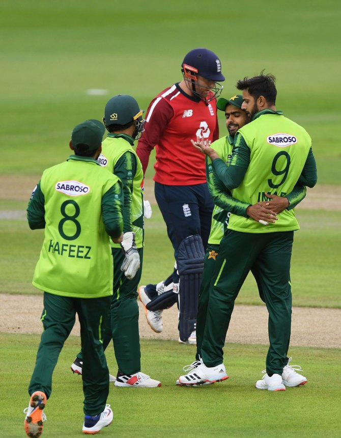 Imad Wasim sees no reason why England can't tour Pakistan in 2022
