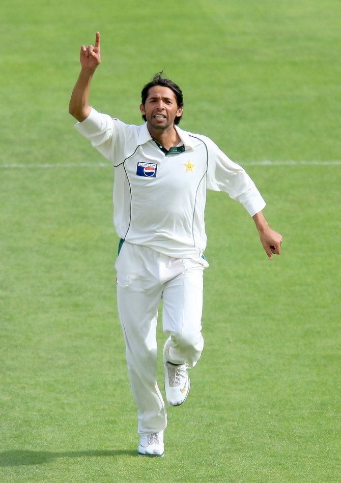Pakistan speedster Mohammad Asif said he aimed to take four or five wickets every time and didn't want to be a labourer bowler