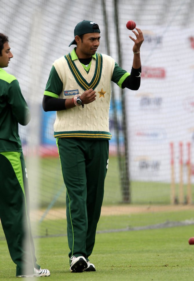 Danish Kaneria told Mohammad Amir that he is not going to bowl to Rohit Sharma