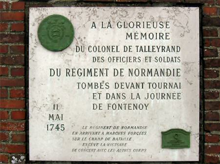 Plaque to memory of the Normandy French Regiment.