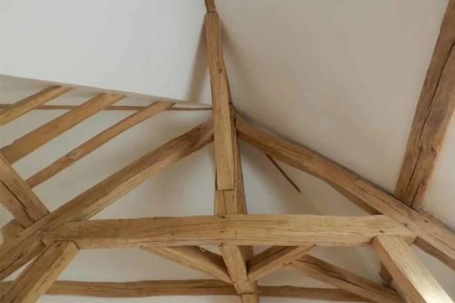 renovation charpente apparente en bois Essonne