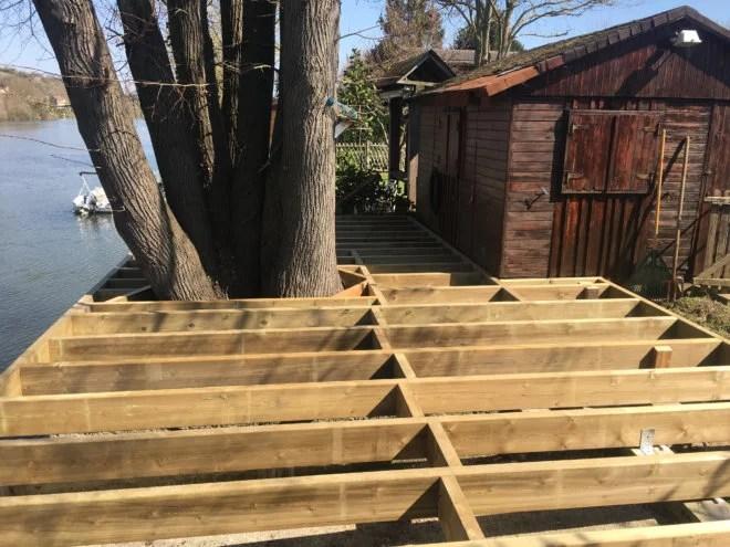 réalisations terrasse bois sur mesure autour d'un arbre entreprise 91