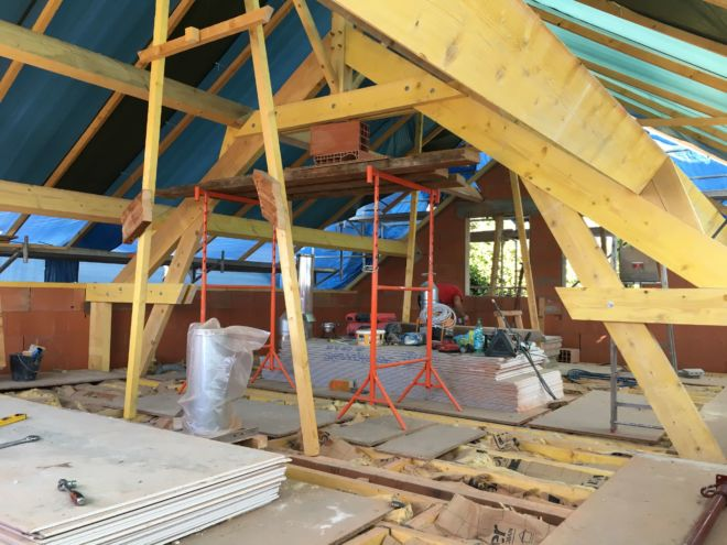 Surélévation charpente bois d'une maison entreprise batyr 91