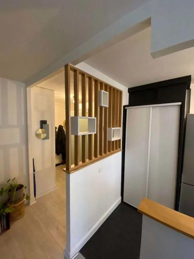 claustra bois intérieur avec niches blanches
