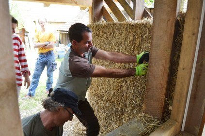 strawbale-workshop-4-2018-20