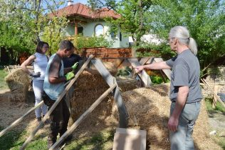 strawbale-workshop-4-2018-40