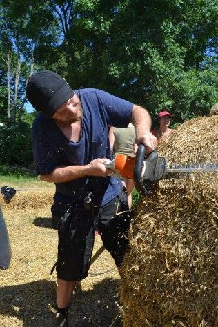 ecotopia-2018-strawbale-workshop-257a