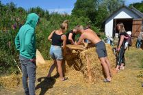 ecotopia-2018-strawbale-workshop-27
